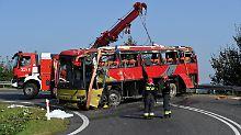 Drei Tote bei Unglück in Polen: Touristenbus stürzt Hang hinunter