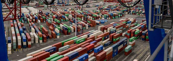 Rekord in der Leistungsbilanz: Deutschlands Überschuss schwillt an