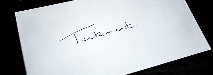 Ein Testament muss immer leserlich handschriftlich verfasst und unterzeichnet sein.