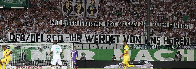 Neue Fußball-Proteste geplant: Fanszenen brechen Dialog mit Verbänden ab