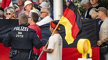 Pegida-Demonstrant ist vom LKA: Barley besorgt über Vorgänge in Sachsen