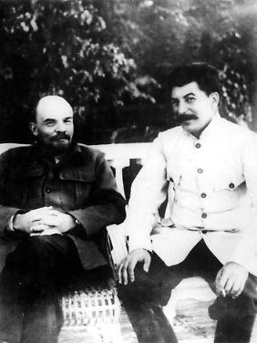 Der Revolutionsführer 1922 mit seinem Nachfolger Josef Stalin.
