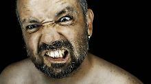 Narzisstische Selbstwahrnehmung: Wüterich ist oft dümmer als er denkt