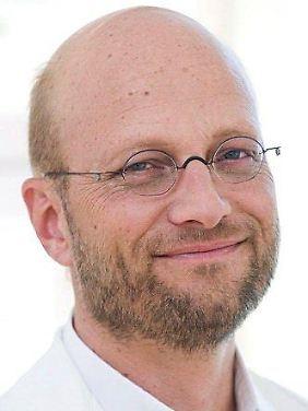 Dr. Christian Fiala ist Facharzt für Frauenheilkunde und Geburtshilfe.