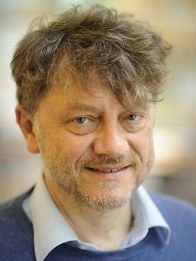 Wolfgang Klein ist Sprachwissenschaftler und Mitglied der Berlin-Brandenburgischen Akademie für Wissenschaften. Die Forschungseinrichtung hat es sich zu Aufgabe gemacht, kulturelles Erbe zu sichern und zu erschließen.