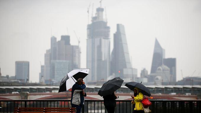 Panasonic zieht Sitz aus London ab: Manager fürchten harten Brexit