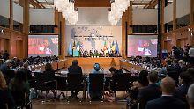 Die internationale Hilfe nach der Konferenz beläuft sich auf über zwei Milliarden Dollar.