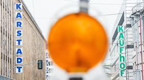 Grünes Licht für Kaufhof und Karstadt: Mitarbeiter müssen vor Warenhaus-Fusion zittern