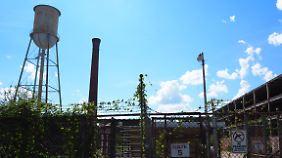 Tor Nummer 5 der alten Textilfabrik von Clinton.