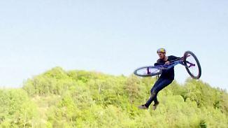 Kaum zu glauben, aber wahr: Mountainbiker fliegt zum spektakulären Weltrekord