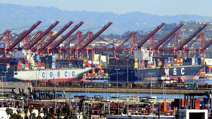 Der US-Präsident wirft China unter anderem unfaire Handelspraktiken und den Diebstahl geistigen Eigentums vor.