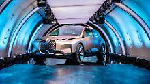 Der Vision iNext ist eine über fünf Meter große Mischung aus Kombi, Van und SUV.