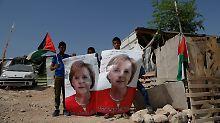 Bundesregierung in Israel: Merkel zu Gast bei schwierigen Freunden