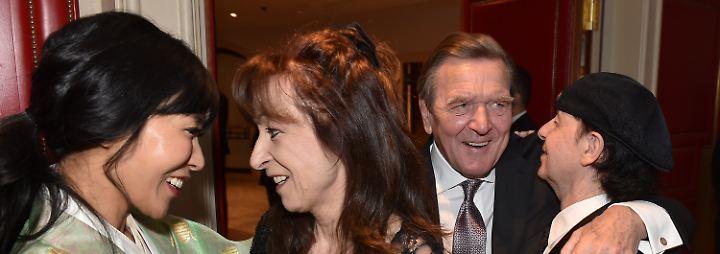 """Große Hochzeitsparty im """"Adlon"""": Gerhard Schröder und Soyeon Kim zelebrieren ihre Liebe"""