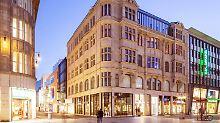 Trotz Druck vom Onlinehandel: Deutsche gehen wieder öfter in den Laden