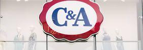 Shirt aus dem Handel genommen: C&A entschuldigt sich für Pulli im Nazi-Look