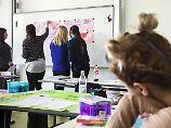 AfD initiiert Meldeplattformen: Denunzieren von Lehrern stößt auf Kritik