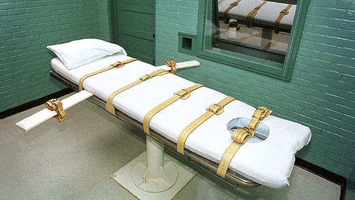 Durch die Giftspritze leidet man viel länger, als beim elektrischen Stuhl, erklären Anwälte eines zu Tode verurteilten Häftlings.