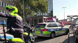 Kölner Hauptbahnhof abgeriegelt: Polizei verhandelt mit Geiselnehmer