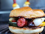 Die Frau am Grill: Chorizo-Gemüse-Spieß-Burger