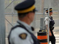 Wegen einer Telefonrechnung: Deutscher betoniert kanadische Ehefrau ein