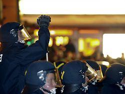 Bilder bei Facebook eingestellt: Demonstranten klagen gegen Polizei in Essen
