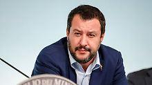 Salvini wettert gegen Nachbarn: Rom schickt Polizei an französische Grenze