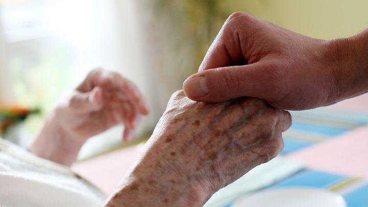 30 Prozent der Befragten fühlen sich in ihrer Rolle als Pflegende gefangen.