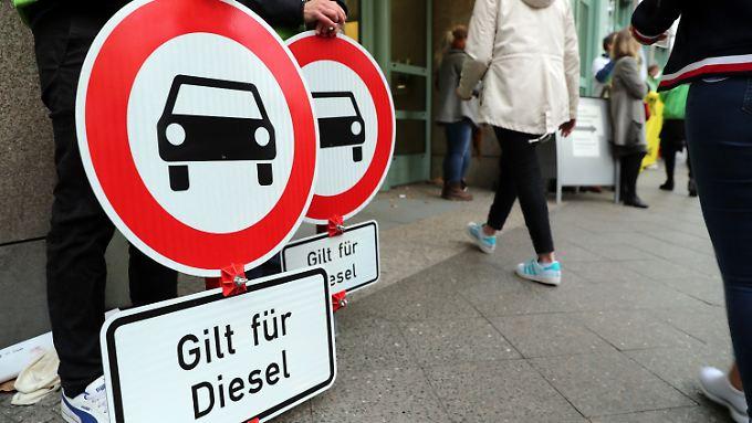 Die Deutsche Umwelthilfe siegt auch in Köln vor Gericht und kann Fahrverbote durchsetzen.