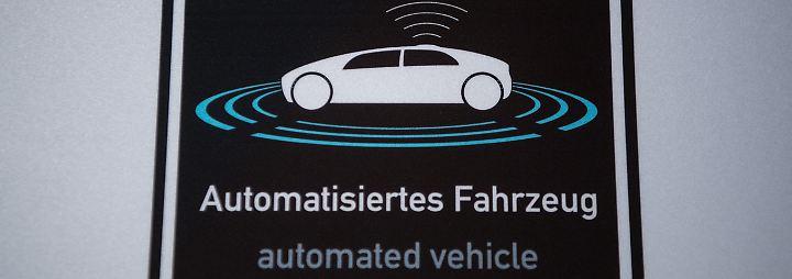 Daimler und Bosch starten Pilotversuch für autonomes Ridesharing.