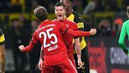 Das wurde schnell belohnt: Nach Flanke von Serge Gnabry war der ehemalige Dortmunder Lewandowski per Kopf zur Stelle und sorgte aus kurzer Distanz mit seinem sechsten Saisontreffer für die Führung der Gäste.