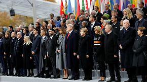 """Macron nennt Nationalismus """"Verrat"""": Staatschefs gedenken Ende des Ersten Weltkriegs"""
