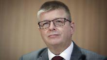 Nachfolger für Maaßen: Haldenwang wird Verfassungsschutzchef