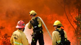 Fluchtwege teils abgeschnitten: Feuerwalze frisst sich unaufhörlich durch Kalifornien