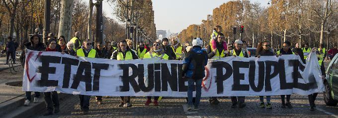 """""""Frankreich ist sauer"""": Steuerreform mobilisiert Hunderttausende"""