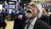 Brent fällt auf unter 60 Dollar: Ölpreisverfall trübt Stimmung an Wall Street