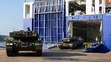 """Fusion mit Hersteller KMW: Rheinmetall greift nach """"Leopard 2""""-Panzer"""