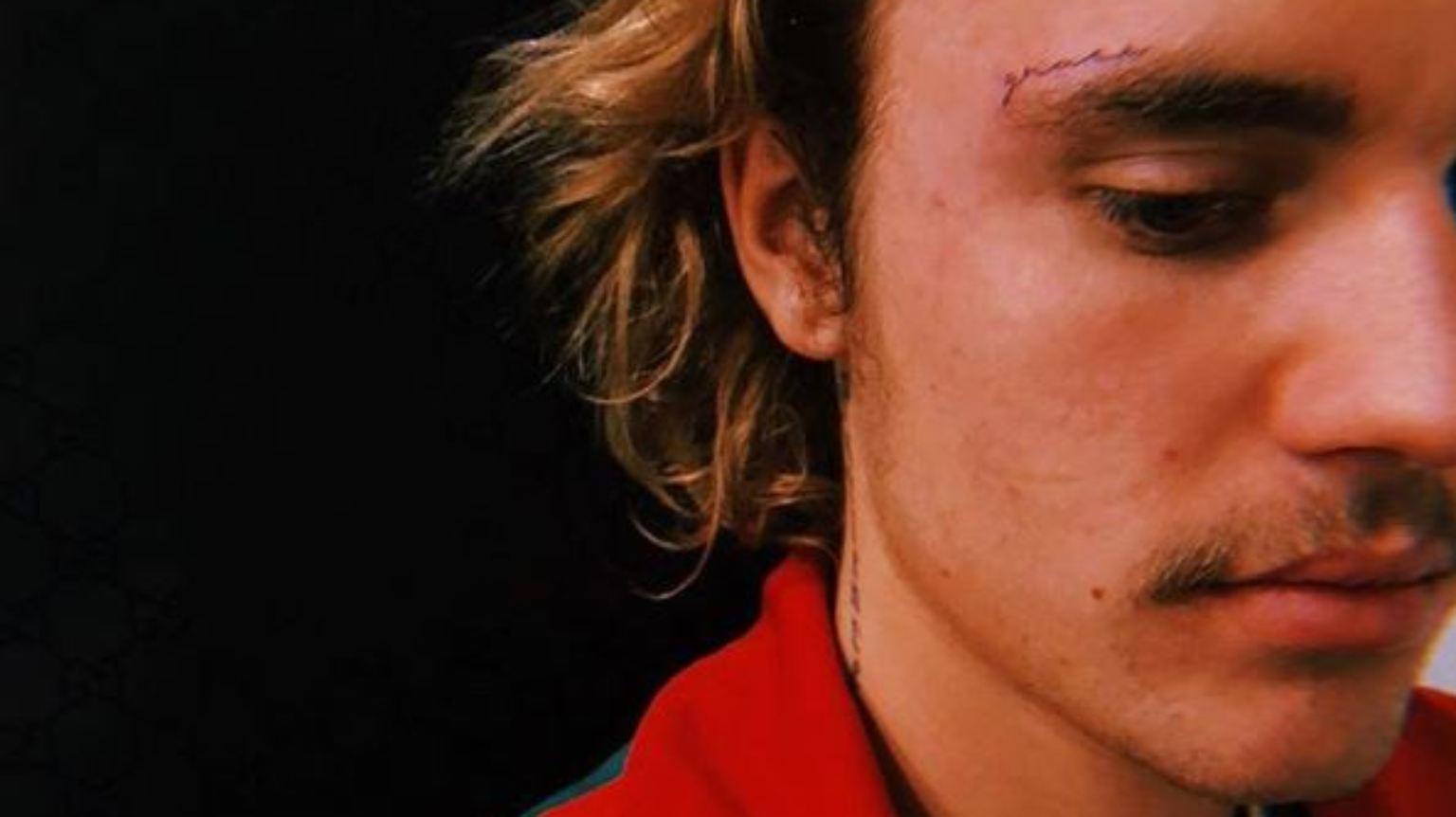 Fur Hailey Justin Bieber Tragt Jetzt Gesichtstattoo N Tv De