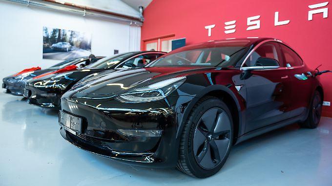 Kunden sollten die Basisversion des Model 3 jetzt wieder im Laden kaufen.