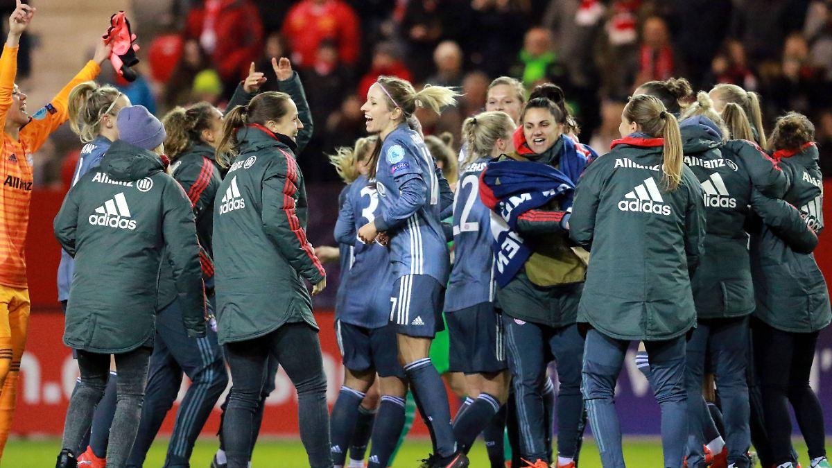 """Bayern-Frauen belohnen sich mit """"Highlight"""""""