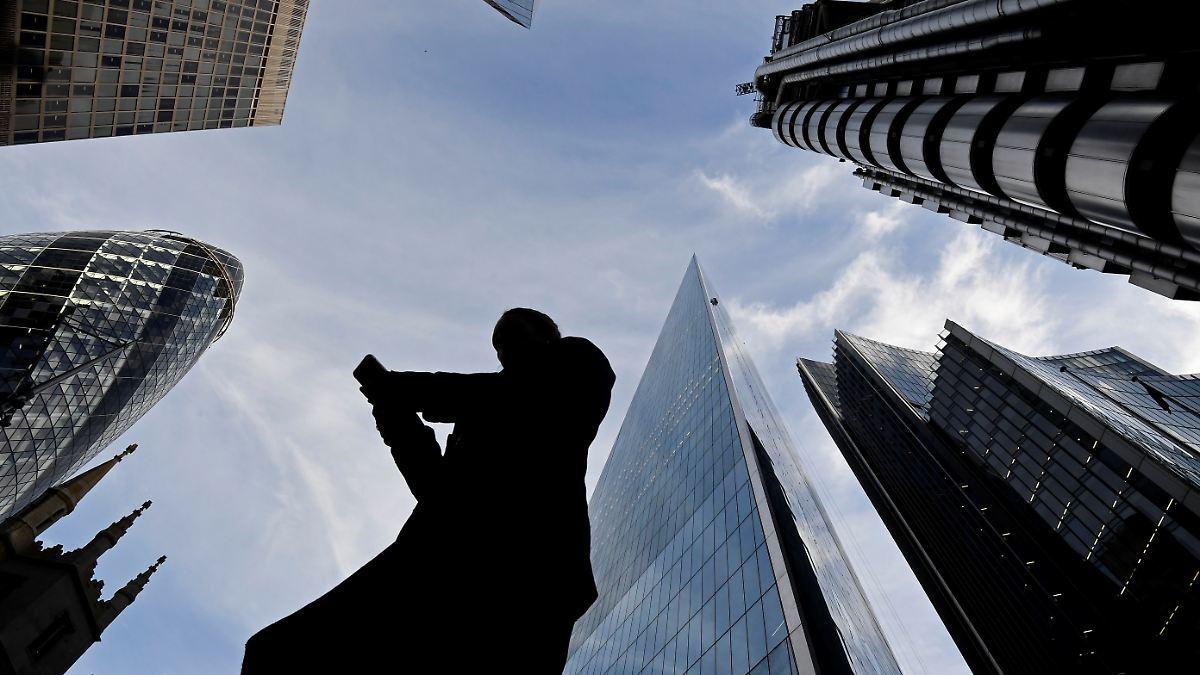 Banken büßen für Chatrooms der Schande