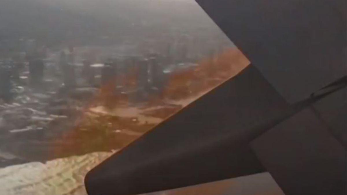 Flammen schießen aus Triebwerk: Passagier macht spektakuläre Bilder