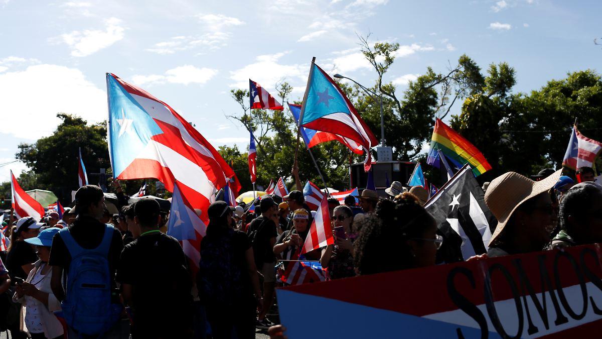 In Puerto Rico protestieren Zehntausende