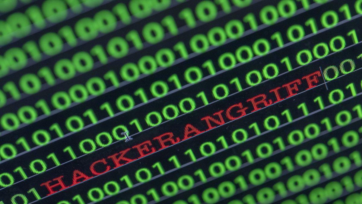 Hacker bestiehlt 100 Millionen Bankkunden