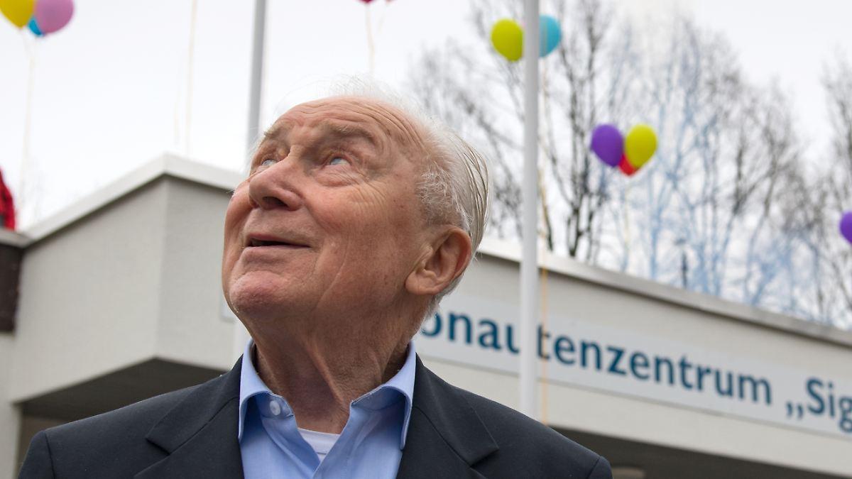 Letzte Ruhe: DDR-Kosmonaut Jähn beigesetzt