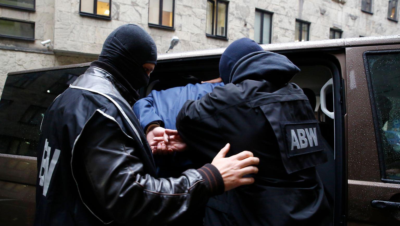 Anders Breivik als Vorbild: Mutmaßliche Terroristen in Polen verhaftet - n-tv.de