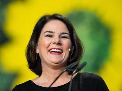 Parteitag stimmt über Spitze ab: Baerbock als Grünen-Chefin wiedergewählt