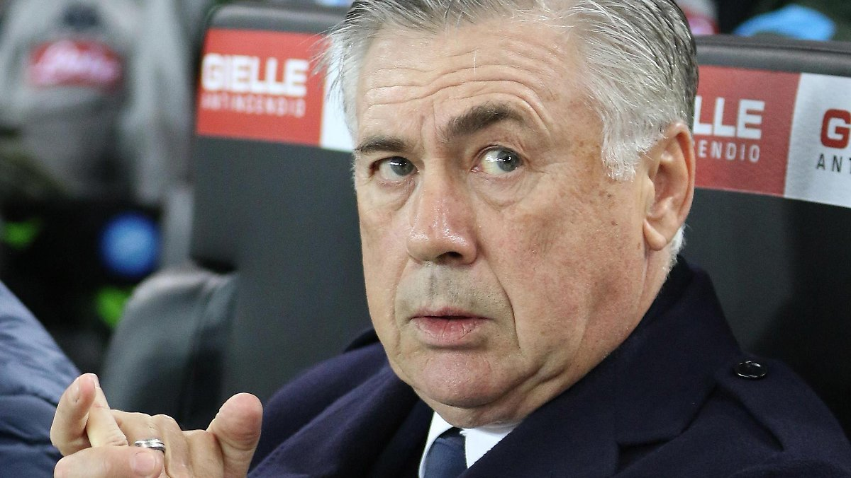 Ancelotti fliegt trotz CL-Achtelfinale