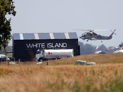 Bergung nach Vulkanausbruch: Sechs Leichen auf Marineschiff gebracht