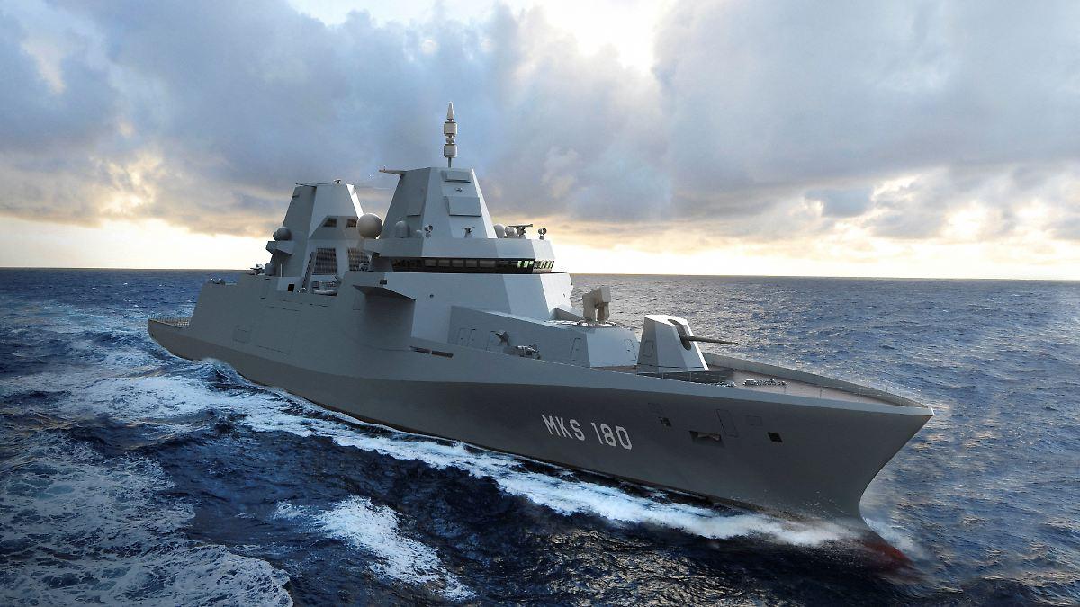 """Marine-Schiff """"MKS 180"""" im ersten Konflikt"""